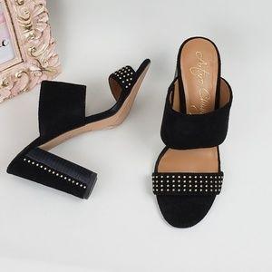 Arturo Chiang Beautiful Studded  heels
